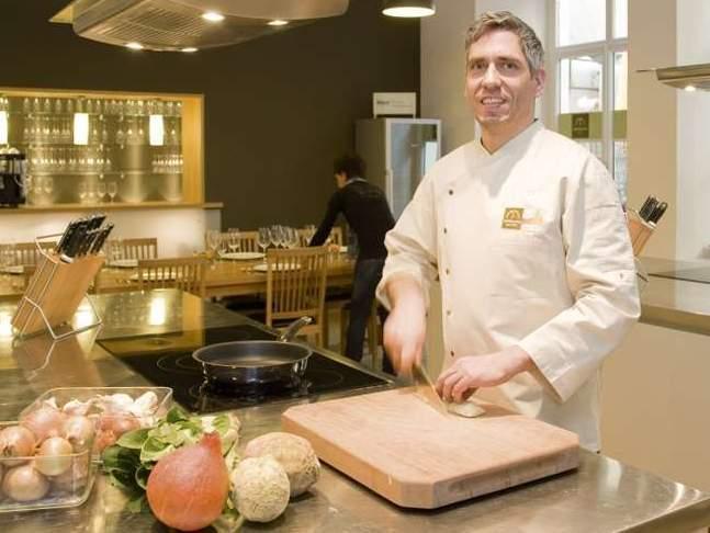 Reinhard Angerer, kuchárska škola ess-art